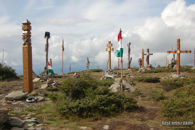Kopjafák és keresztek a Madarasi Hargitán